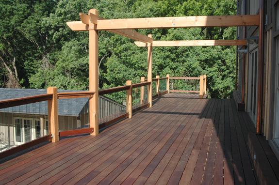 Zeg maar yes houten terras steigers vlonders for Bankirai terras